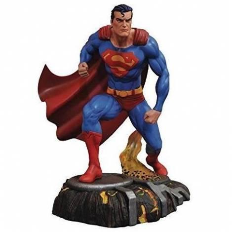 DC Gallery: Superman - Superman Comic PVC Statue (APR182181)