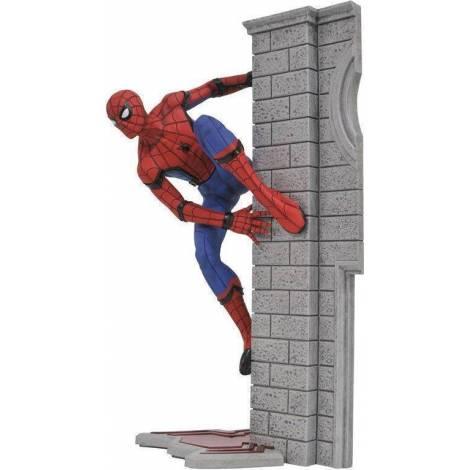 Diamond Comics Diamond Select Toys - Marvel Gallery Spider-man Homecoming - Spider-man Pvc Diorama Figure (aug172644)