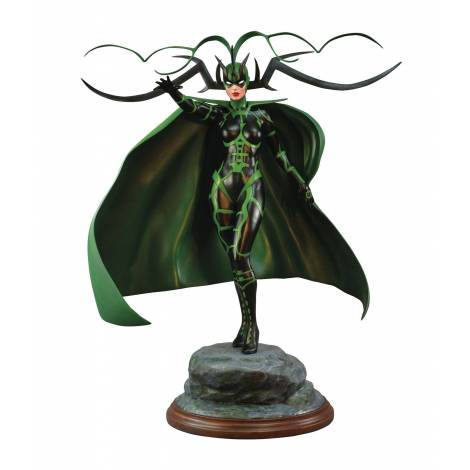 Diamond Select Toys Marvel Premiere: Hella Statue (AUG192730)