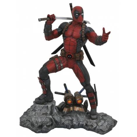 Marvel Premiere - Deadpool Statue (OCT172362)